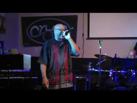 354MAH00010-You Shook Me All Night Long-Cylas Rock Band @ Stocktons 2017-10-13