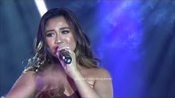 Morissette sings Listen for 2017