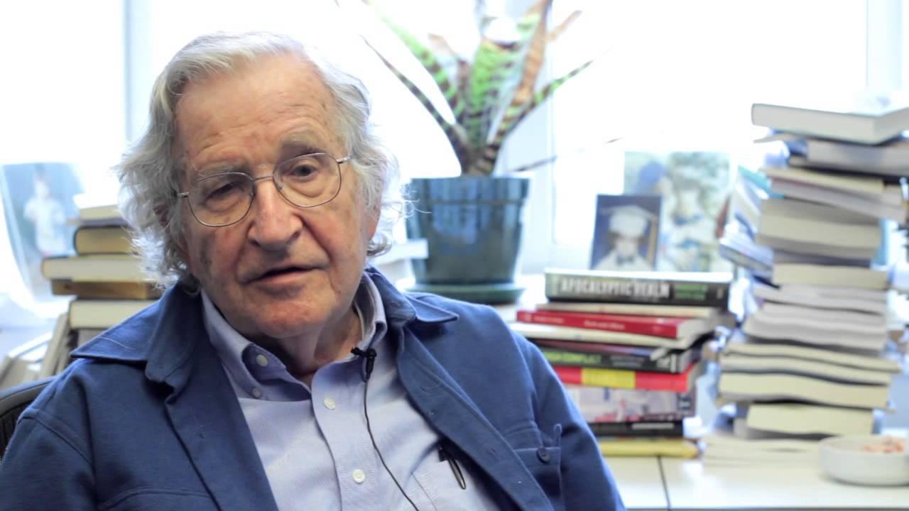 Noam Chomsky - The youth and the mass media's false reality and history