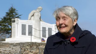 B.C. woman delighted her WWII pilot father will get U.K. memorial