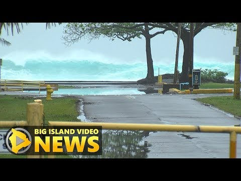 High Surf Closes Hilo Beaches, Bayfront Highway (Mar. 21, 2018)