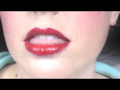 youtube hot sexy girl decollete opened