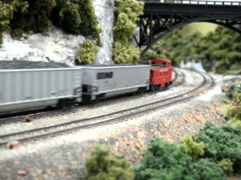 N scale 4-8-8-4 Big boy and Amtrak train.