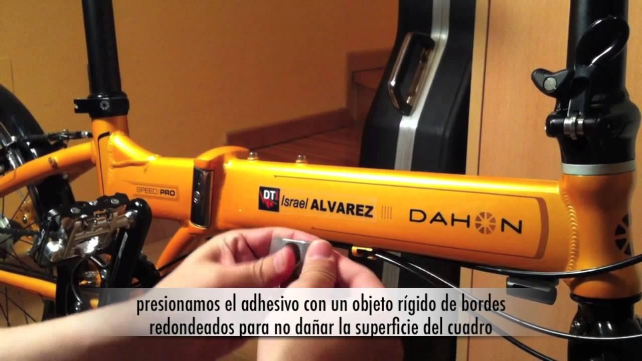 Como colocar adhesivos de vinilo en la bicicleta youtube for Adhesivos de vinilo