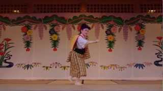Traditional Dance Performance in Okinawa - (4/4)