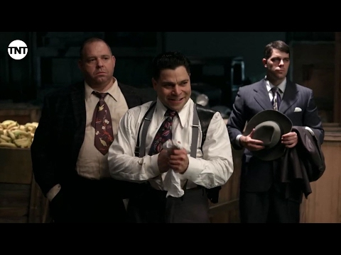 Have a Banana a Different Way | Mob City | TNT