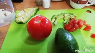 Нежный и простой салат #авокадо помидор и брынза