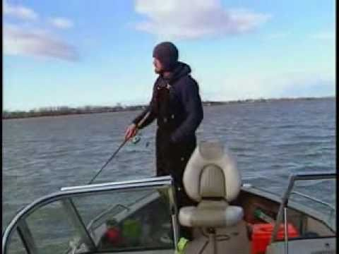 Columbia river huge walleye youtube for Columbia river walleye fishing report
