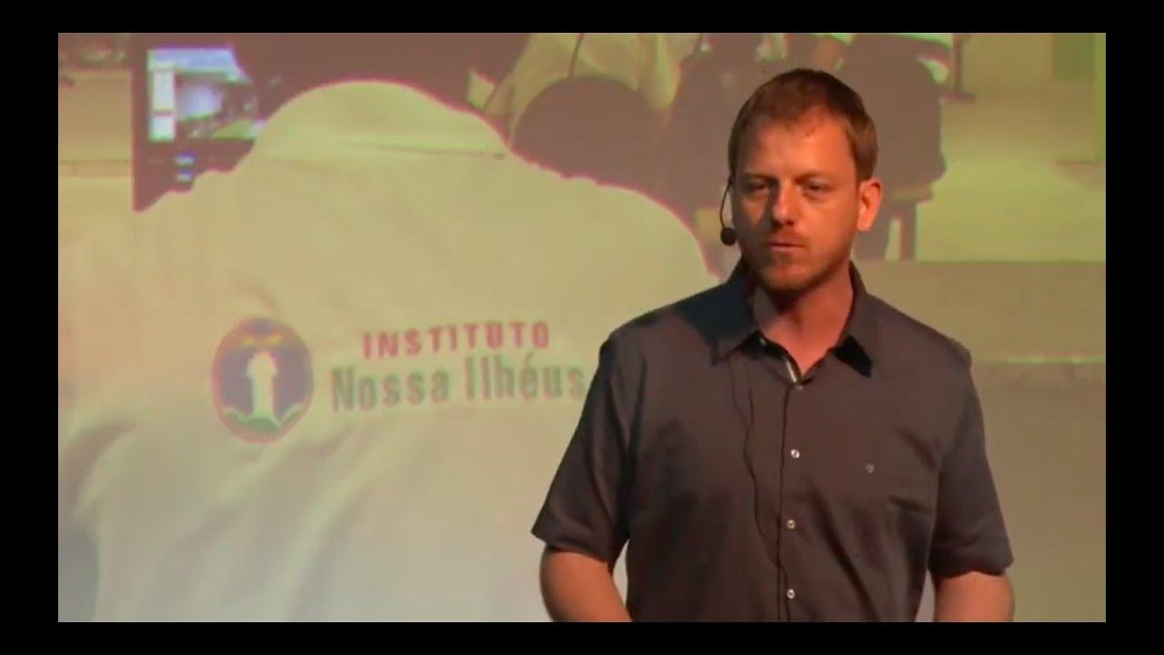 Por que as pessoas se envolvem com a política? | Renato Morgado | TEDxRioPiracicaba