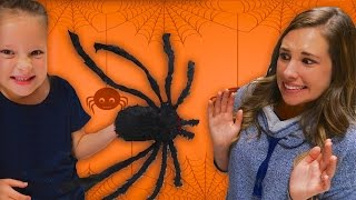 🕷GIANT SPIDER SCARE ATTACK! 😱