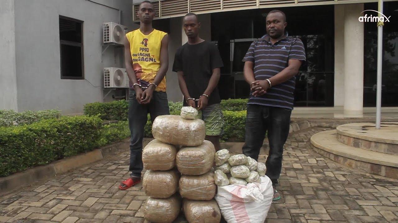 Download Police ibaguye gitumo batwaye urumogi   Babuze icyo bavuga dore ko bigenje
