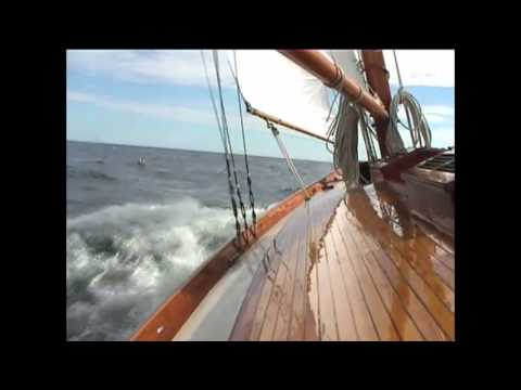 Dyon: Classic Luders Sloop Sets Sail