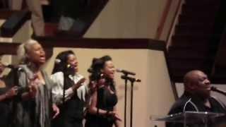 John P. Kee and New Life sings a Medley of Worship (Part I)