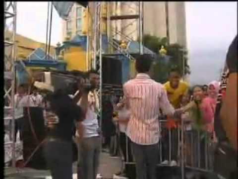 Ikhlas Tapi Jauh   V e @ Hot Fm Big Jam 2007!