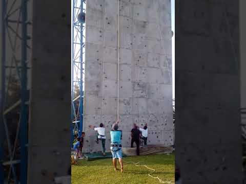 Siswa SMA Sugar Group Yang Tercepat Saat Lomba Panjat Dinding Wall Climbing Viral
