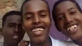 DEG DEG NEWS     Dhallinyarro reer Burco ah (Somaliland), ayaa sheegtay Qarixii Zoobe ee Moqdisho
