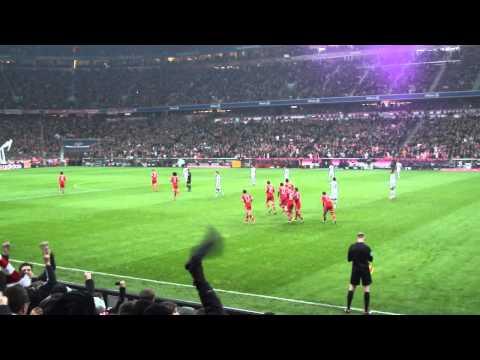 David Alaba's Freistoss (FC Bayern München 5-1 Schalke 04)