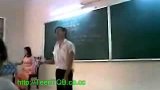 Thuận Bầu Hát Live Cào Cào Lá Tre - 12a10 2009