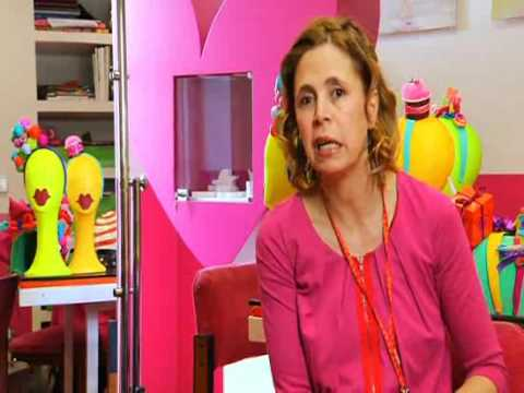 agatha ruiz de la prada 2009 conoceme youtube. Black Bedroom Furniture Sets. Home Design Ideas