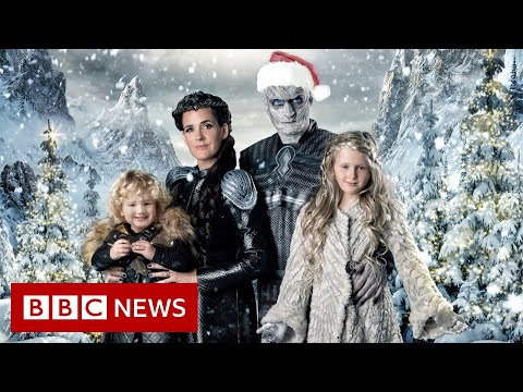 The family who go all out on their Christmas cards - BBC News