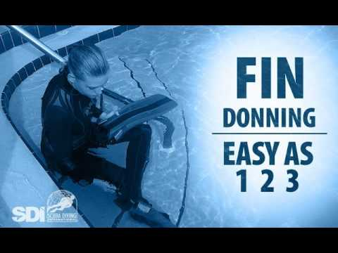 Mask, Snorkel & Fins | Fin Donning: Easy as 1-2-3