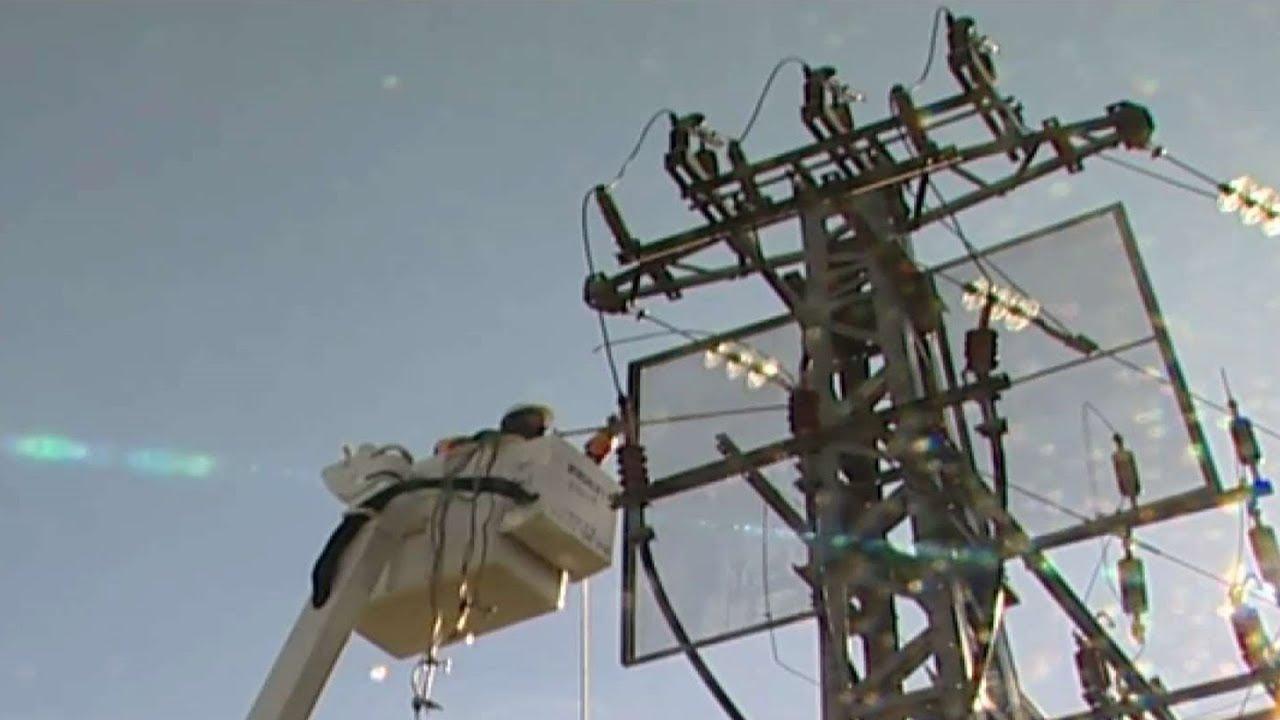 """חברת החשמל נגד """"פורטנייט"""": מעודד שחקנים לטפס על עמודי חשמל"""