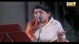 Jiya Jale | Dil Se | Lata Mangeshkar | Lata Mangeshkar Live Hydrebad concert.
