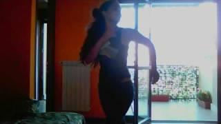 Cubanita bailando con tremendo calor,jajajajaja