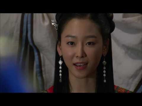 """[HOT] 제왕의 딸 수백향 43회 - """"수백향 공주로 불러주셔요"""" 융에게 딸로 생각해달라 말하는 설난  20131202"""