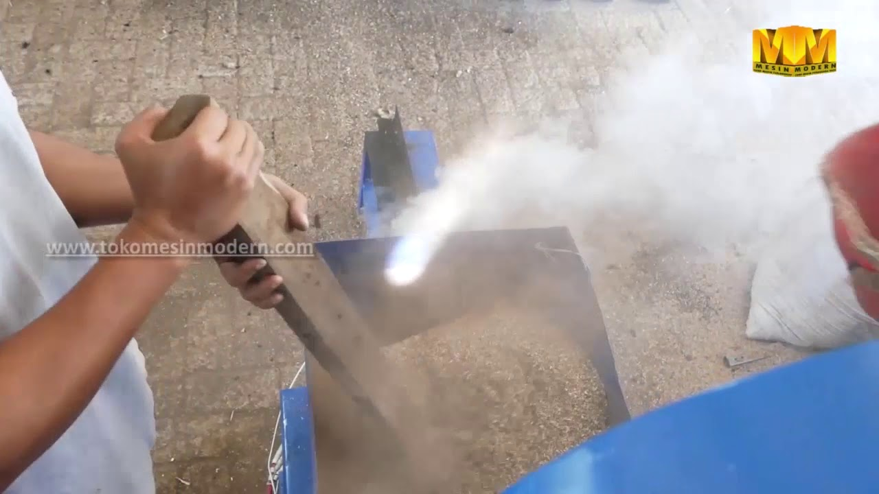 Mesin Pencetak Briket Arang Garuda Muda - YouTube