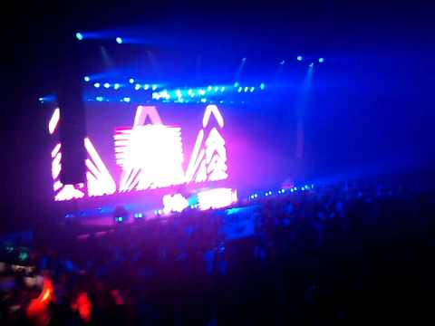 TIESTO @ ENERGY 2010 PLAYING ADAGIO FOR STRINGS #1