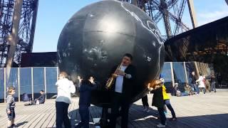 видео «Эйфелева башня» в Солигорске