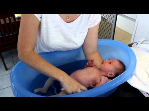 www.newbaby101.com.au How to Bath your Baby