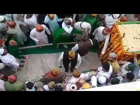 Janaza E Peer Syed Dilawar Hussain Bapu Chishti R.A. Amreli Date:14/10/2018 Jumma masjid Amreli