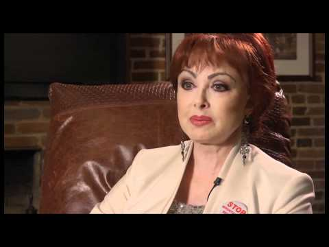Naomi Judd speaks in support of