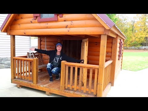 Download Youtube: She Bought a Tiny House!!