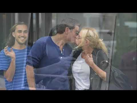 The Bachelorette's Sophie Monk and Stu Laundy share kiss