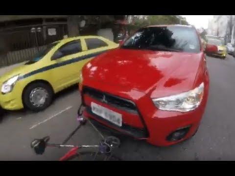 Ciclista é fechado e atropelado na Rua Bambina - RJ