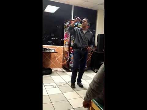 El Triste - Jose Jose en vivo (karaoke) (Cover) canta Victor Rico