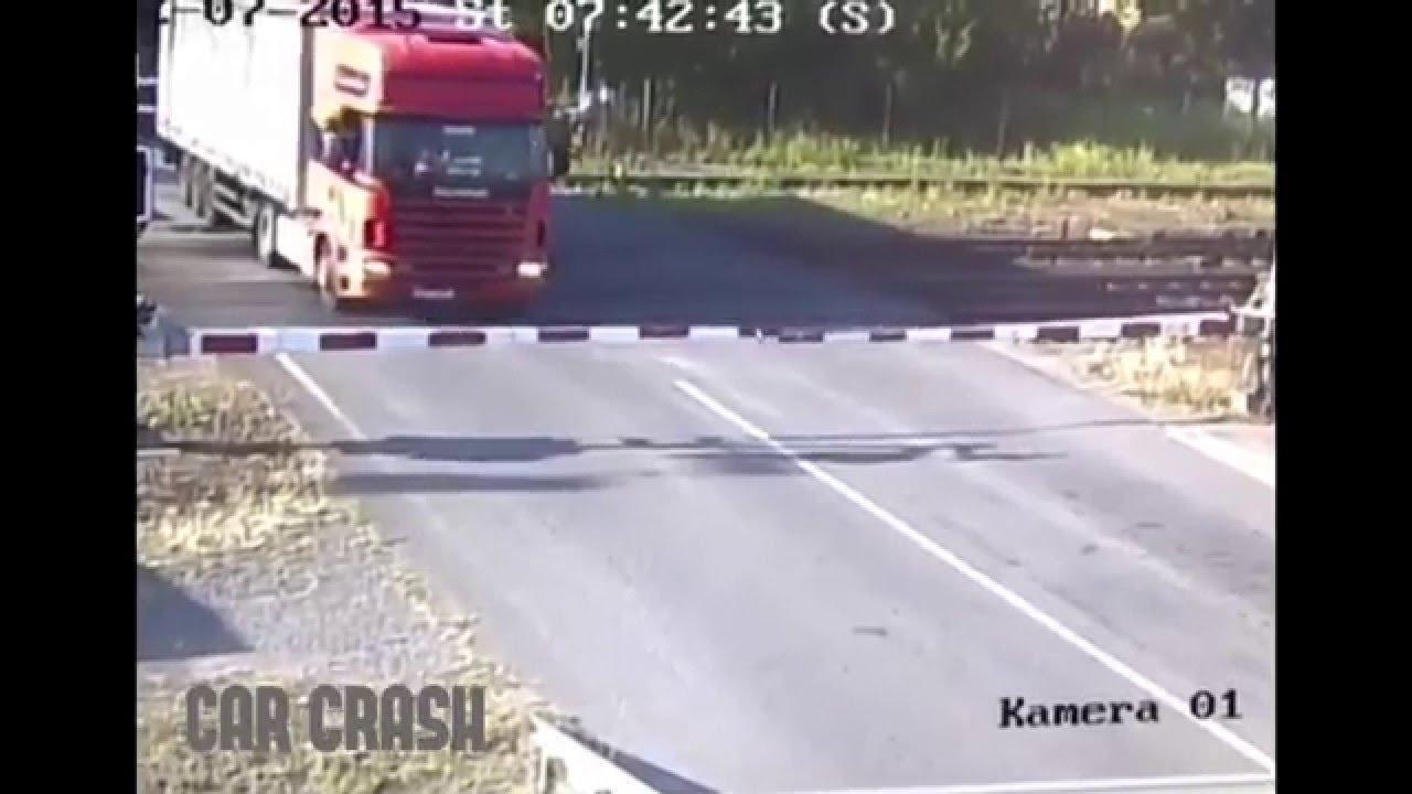 Pendolino crash with the Truck in Czech Republic - YouTube
