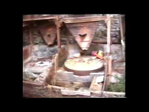 VRLIKA POSLIJE OLUJE RAZORENA OD SRBA I ČETNIKA 1995. snimio fra Ivan Lelas