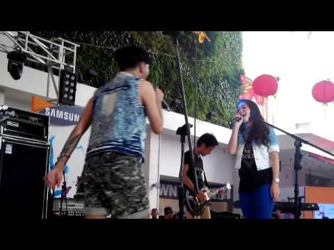 Killing Me Inside feat Tiffany Orie - Biarlah @Summcon Mal Bekasi