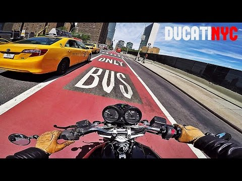 WILD RUN - MANHATTAN to BROOKLYN MotoGP Race - v251