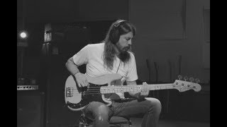 Dave Grohl - PLAY [Isolated Bass]