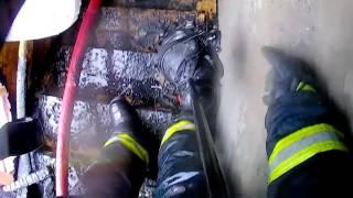 Боевая работа пожарных: оперативная съемка