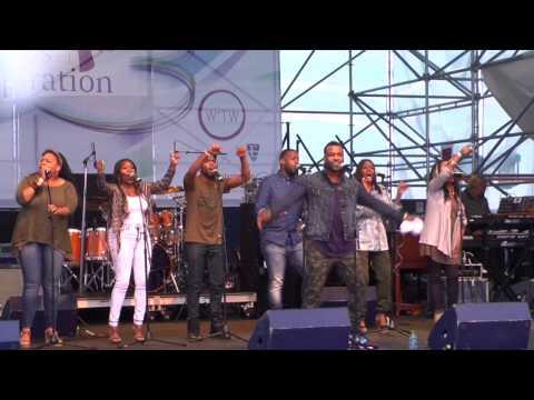 Vashawn Mitchell (Live)- It Just won't work