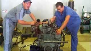 Funcionando um motor Perkins no chão