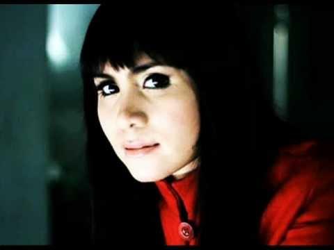 Momo Geisha - Cobalah Mengerti (Plus Lirik)
