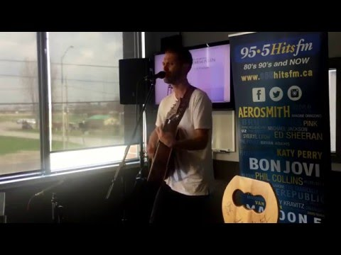 "Andrew Allen performs ""Loving You Tonight"" at 95.5 Hits FM"