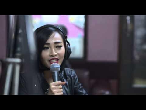 Fallin by Alicia Keys - Cover by Rinni Wulandari - #LoveIsInTheAir CosmopolitanFM